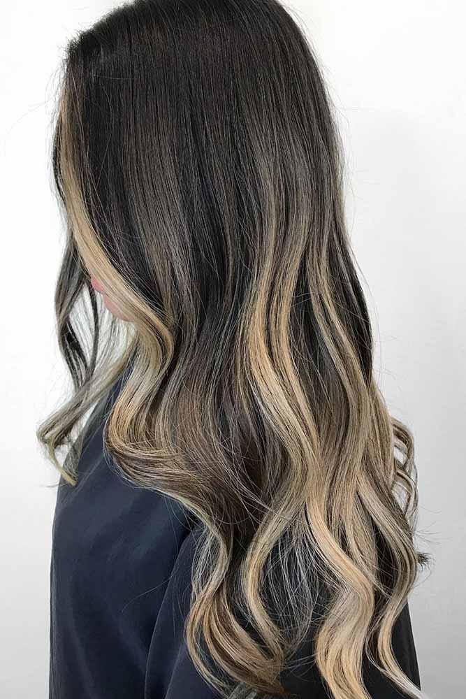 brunette-hair-ideas-long-layered-blonde-wavy