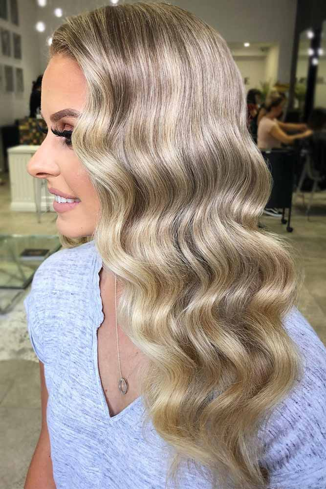 dirty-blonde-hair-styles-wavy-sleek-styling-babylights