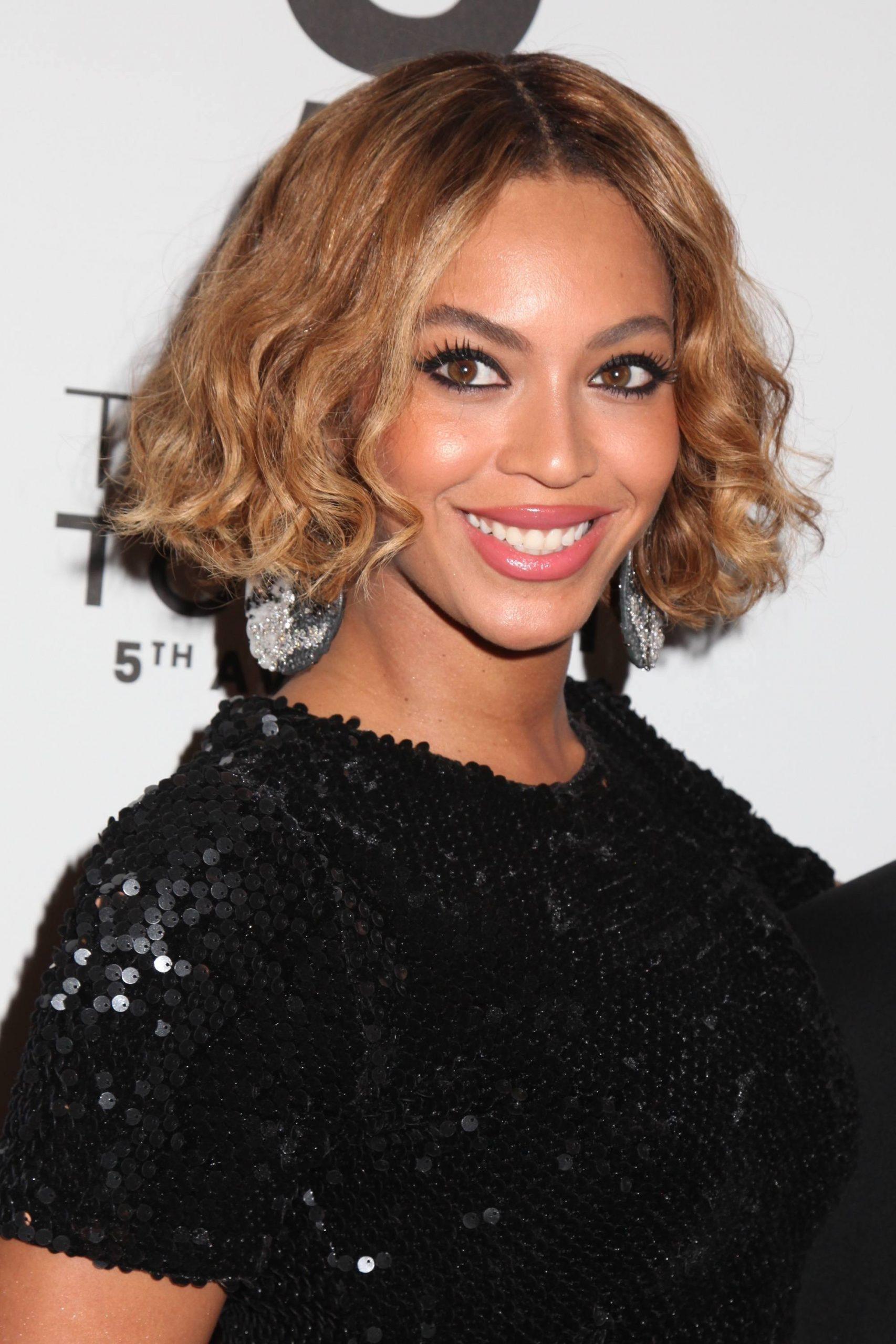 Image result for Beyoncé Bey's chin-length bob