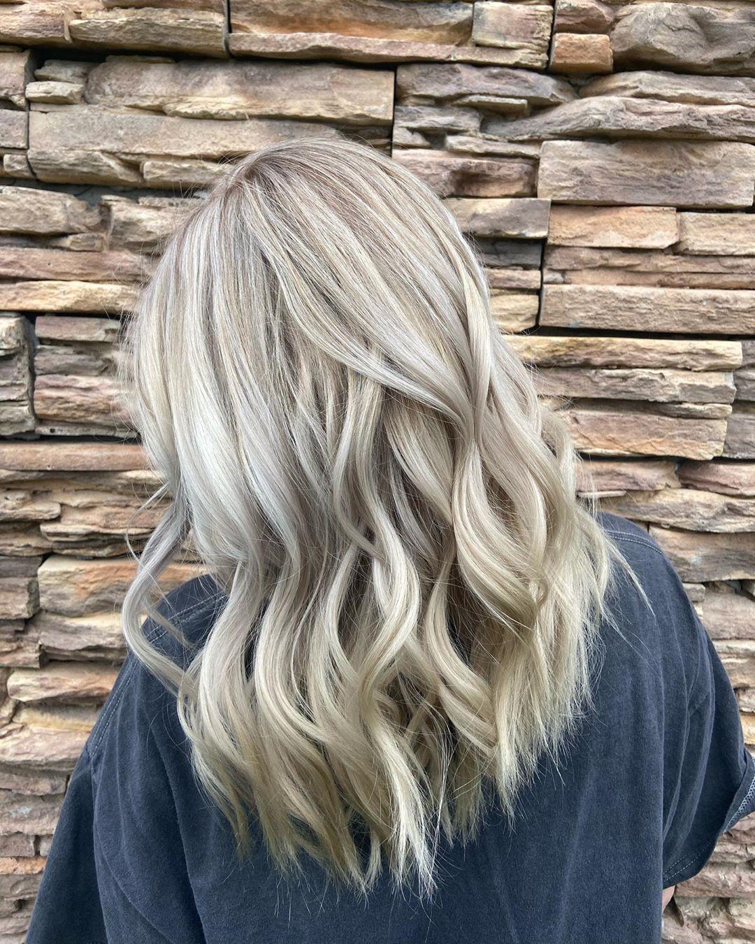 partial highlights blonde hair